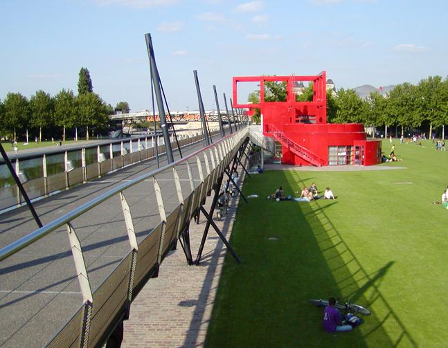 Il parco della villette un esperienza multidisciplinare - Immagini di giardini di villette ...